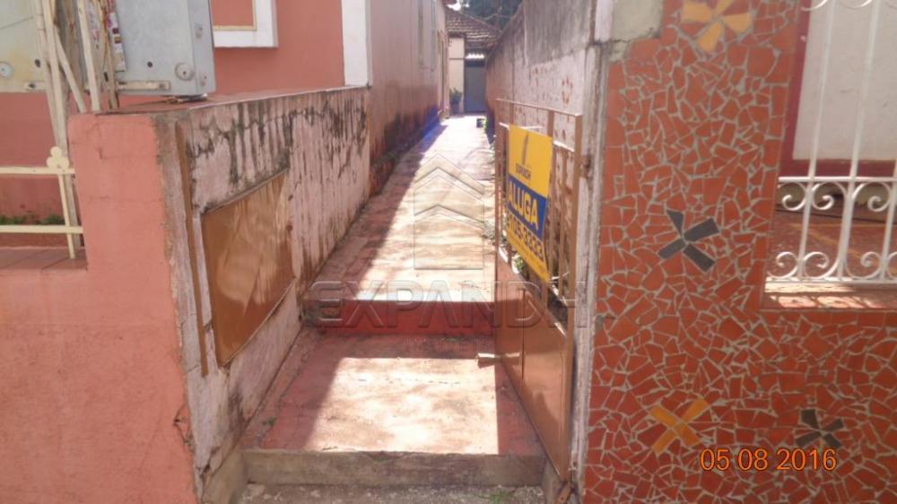 Alugar Casas / Padrão em Sertãozinho apenas R$ 565,00 - Foto 1