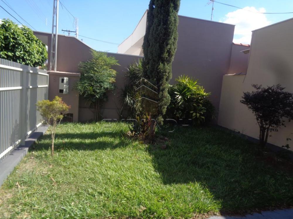 Alugar Casas / Padrão em Sertãozinho R$ 855,00 - Foto 3