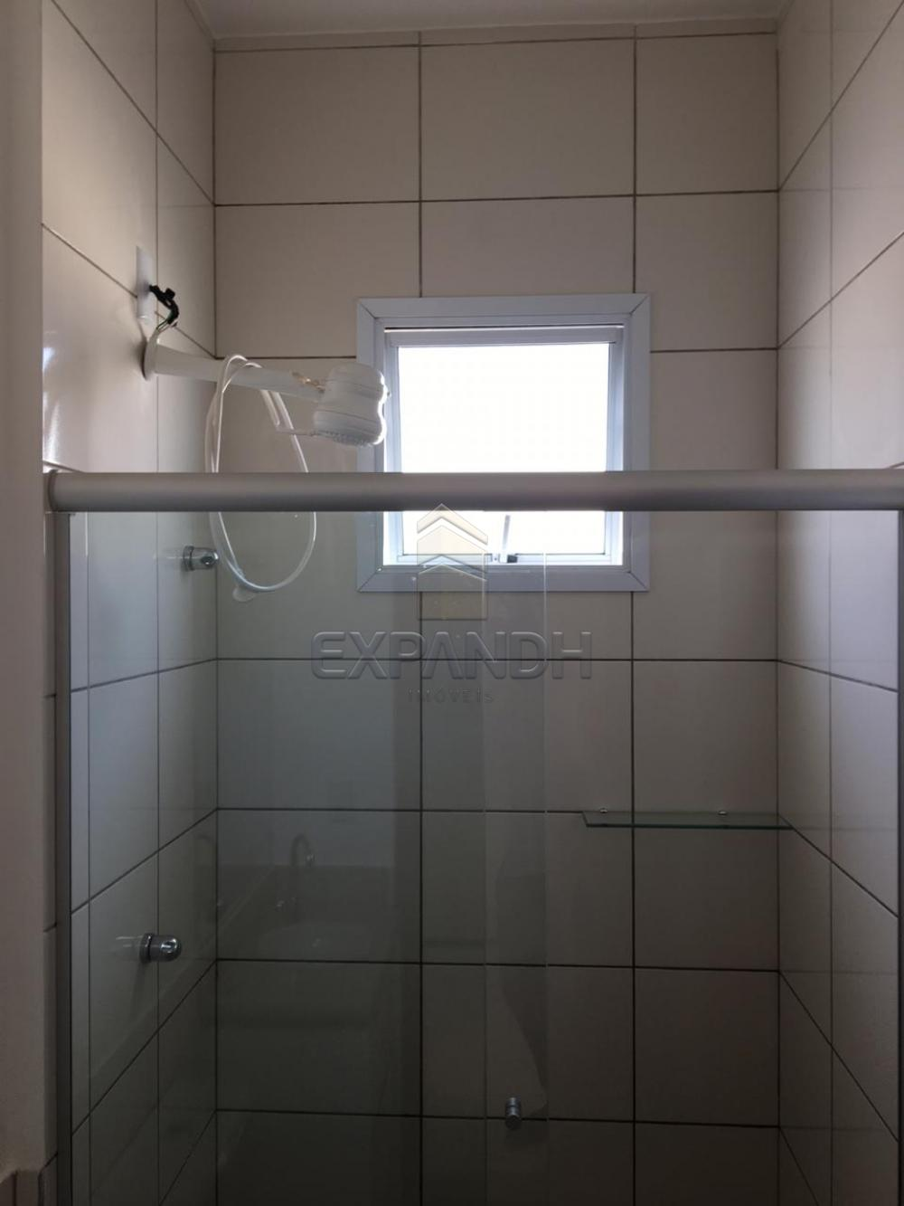 Alugar Casas / Condomínio em Sertãozinho R$ 1.200,00 - Foto 29