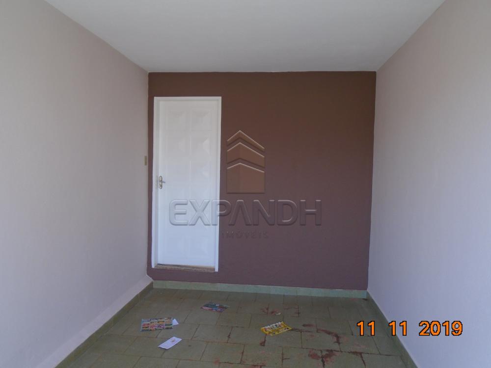 Alugar Casas / Padrão em Sertãozinho R$ 750,00 - Foto 2