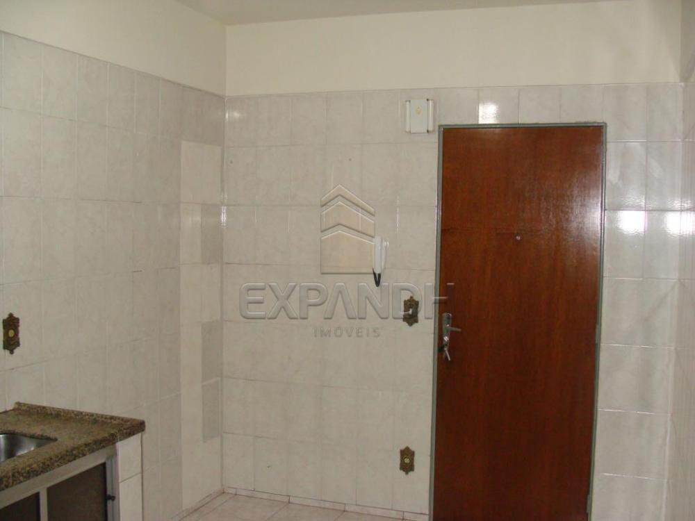 Alugar Apartamentos / Padrão em Sertãozinho R$ 800,00 - Foto 4