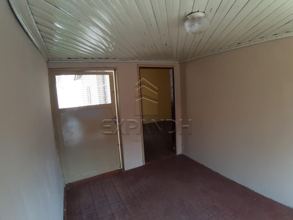 Alugar Casas / Padrão em Sertãozinho R$ 835,00 - Foto 2