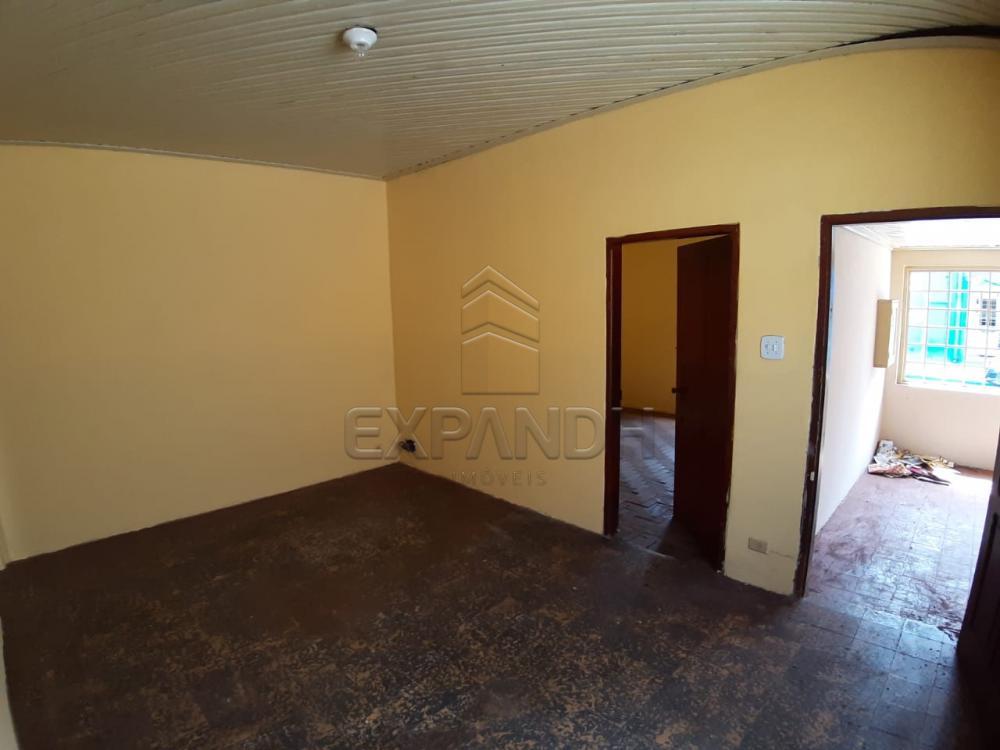Alugar Casas / Padrão em Sertãozinho R$ 835,00 - Foto 5