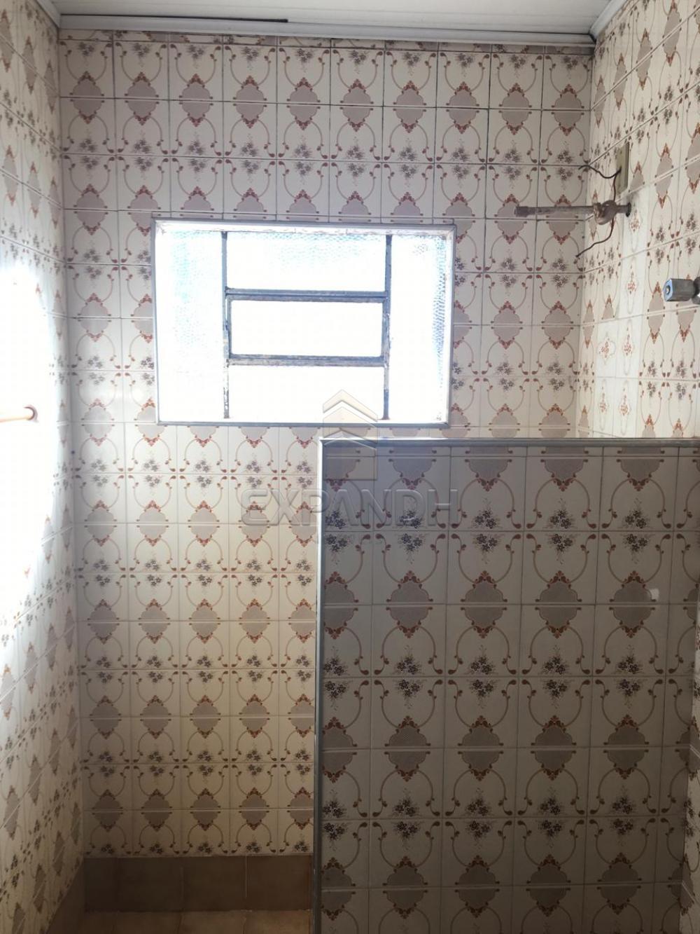 Alugar Casas / Padrão em Sertãozinho apenas R$ 900,00 - Foto 16