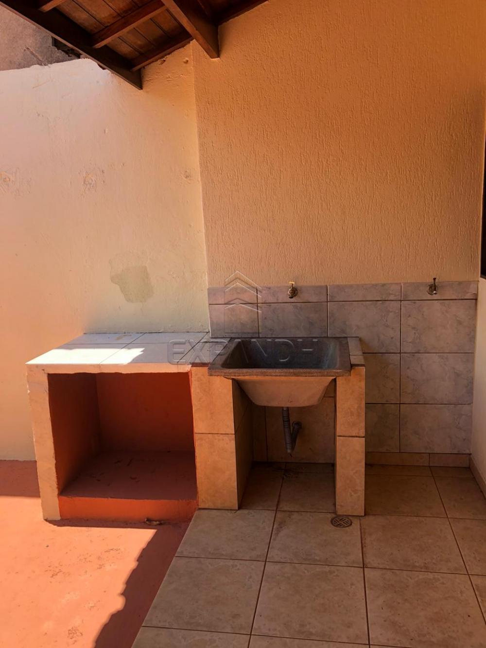 Alugar Casas / Padrão em Sertãozinho R$ 700,00 - Foto 5