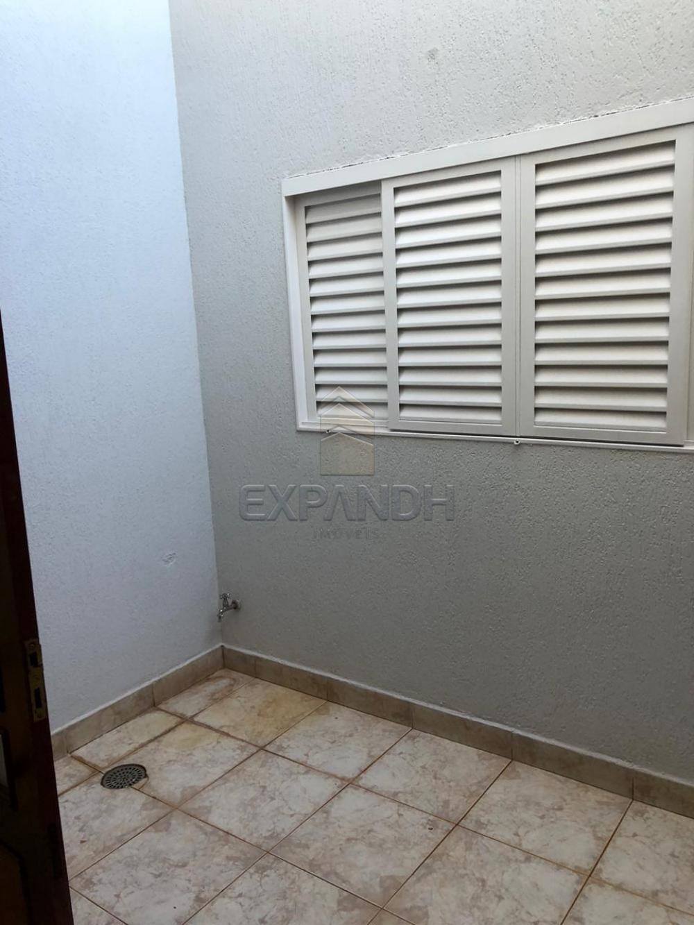Alugar Casas / Padrão em Sertãozinho R$ 1.300,00 - Foto 9