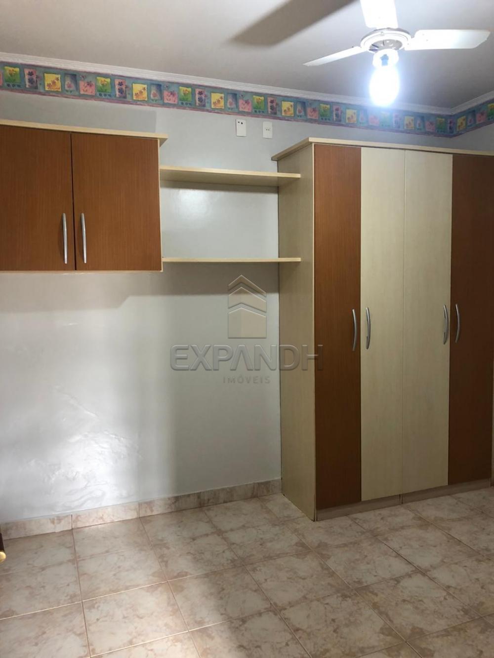 Alugar Casas / Padrão em Sertãozinho R$ 1.300,00 - Foto 15