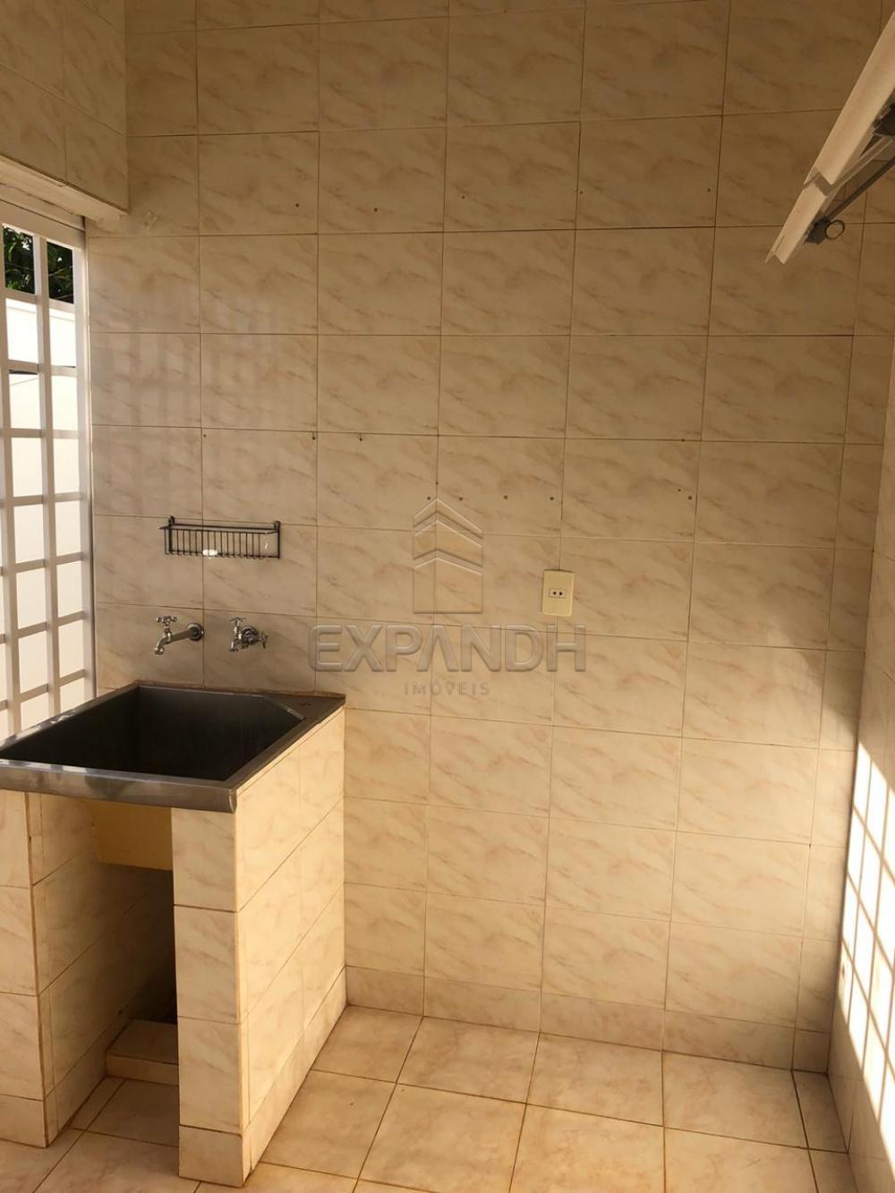 Alugar Casas / Padrão em Sertãozinho R$ 1.300,00 - Foto 23