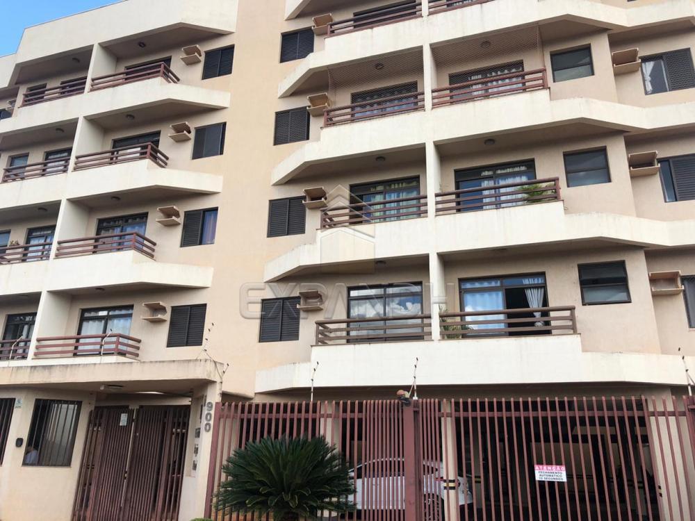 Alugar Apartamentos / Padrão em Sertãozinho R$ 700,00 - Foto 1