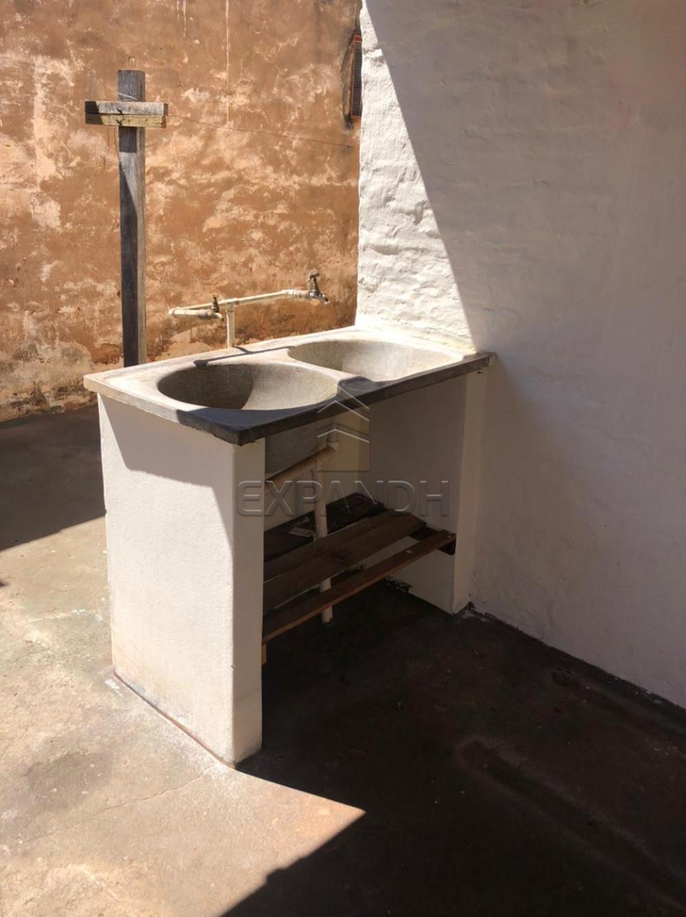 Alugar Casas / Padrão em Sertãozinho R$ 505,00 - Foto 4