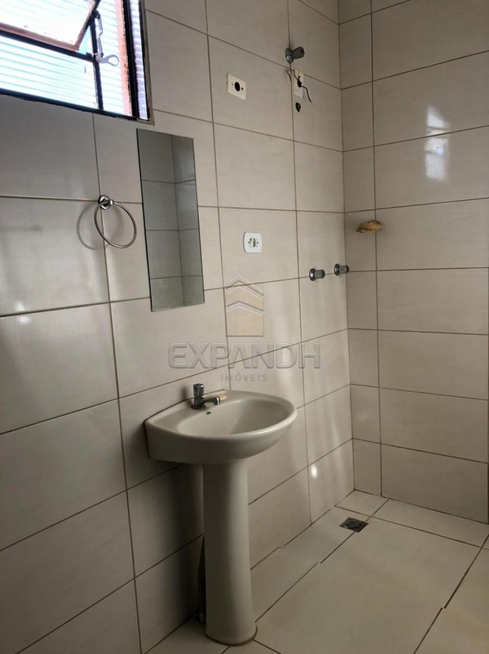 Alugar Casas / Padrão em Sertãozinho R$ 1.250,00 - Foto 19