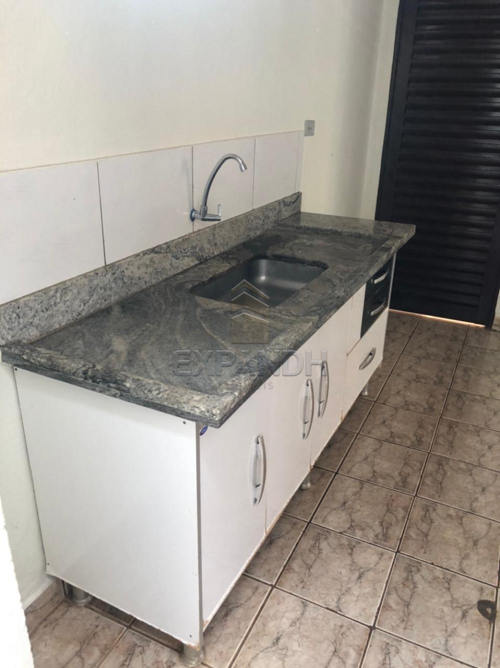 Alugar Casas / Padrão em Sertãozinho R$ 1.250,00 - Foto 10