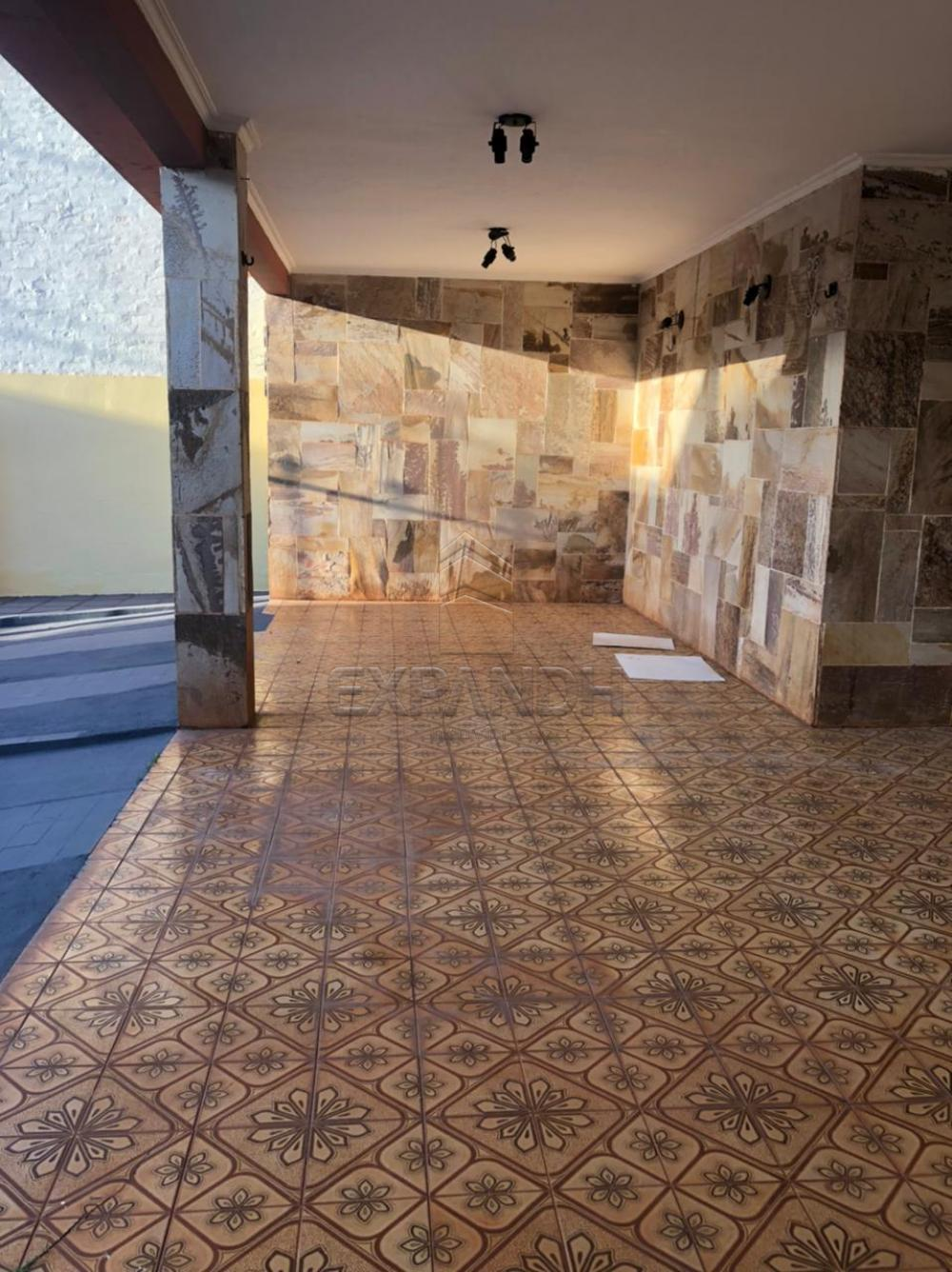 Alugar Casas / Padrão em Sertãozinho R$ 1.500,00 - Foto 3
