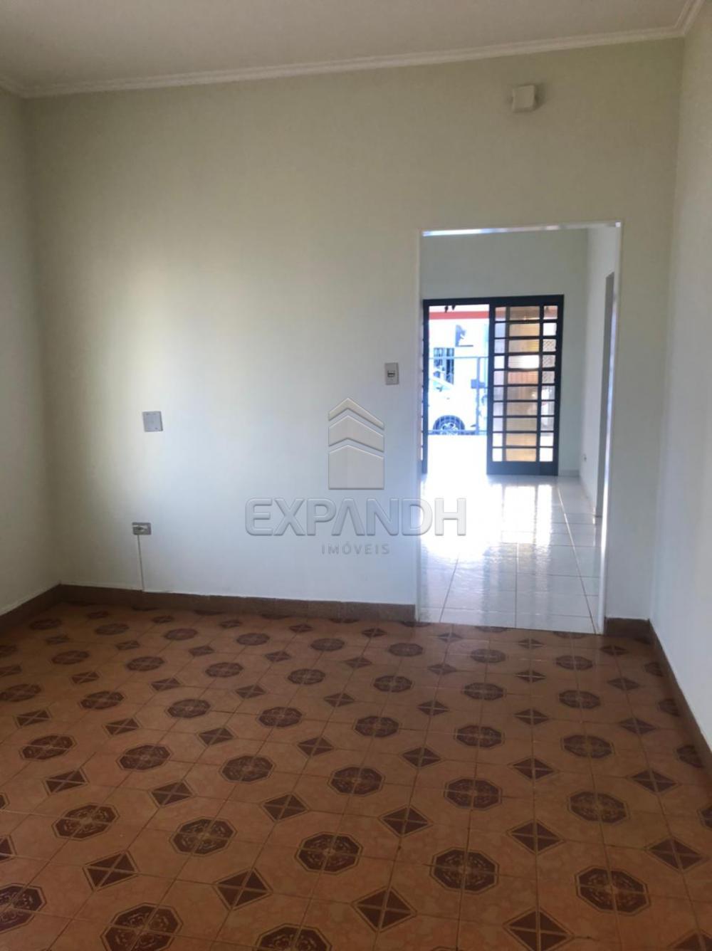 Alugar Casas / Padrão em Sertãozinho R$ 1.500,00 - Foto 8