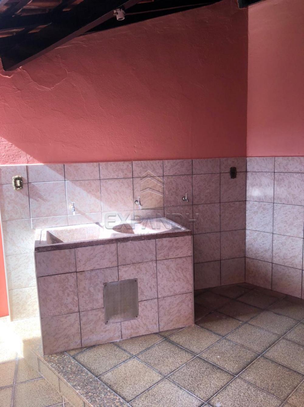 Alugar Casas / Padrão em Sertãozinho R$ 1.600,00 - Foto 27