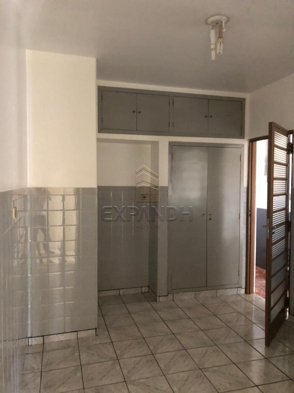 Alugar Casas / Padrão em Sertãozinho R$ 1.000,00 - Foto 4