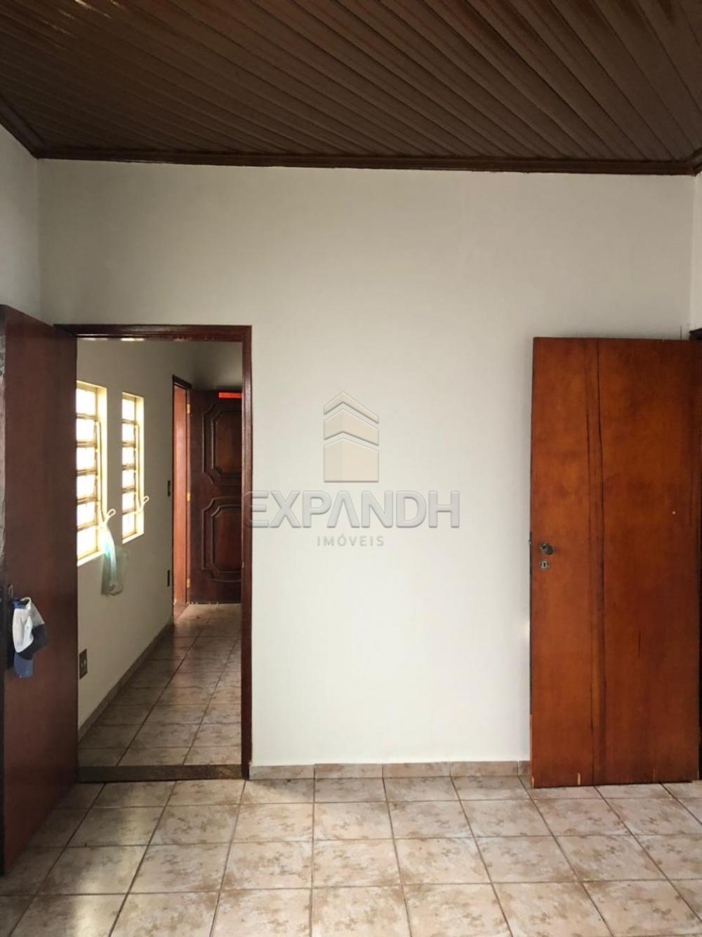 Alugar Casas / Padrão em Sertãozinho R$ 1.100,00 - Foto 7
