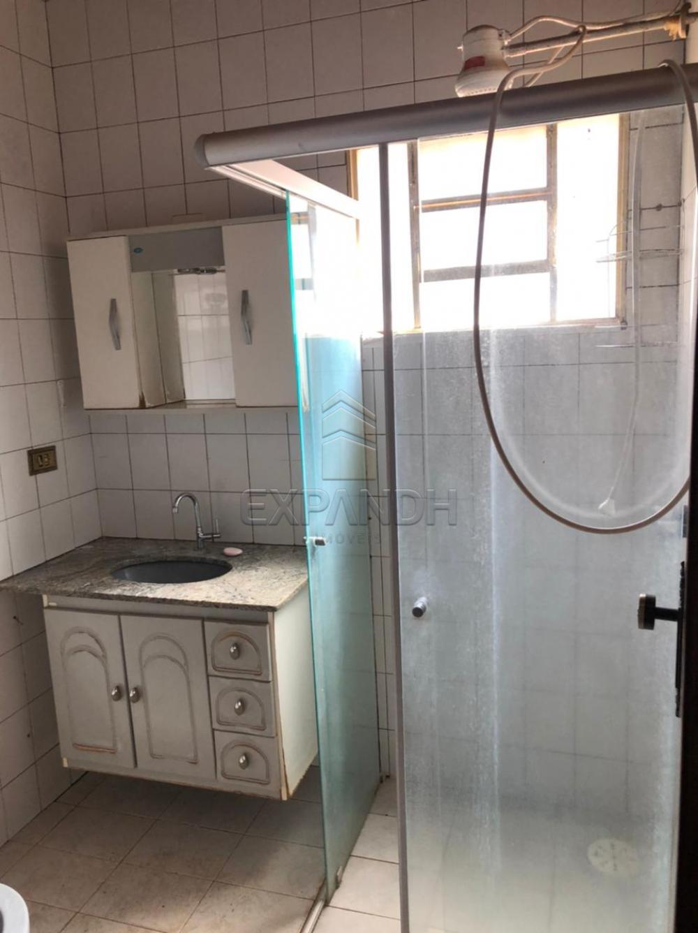 Alugar Casas / Padrão em Sertãozinho R$ 1.100,00 - Foto 20
