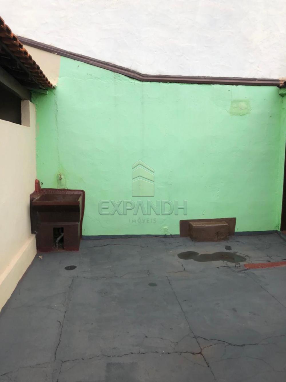 Alugar Casas / Padrão em Sertãozinho R$ 690,00 - Foto 4