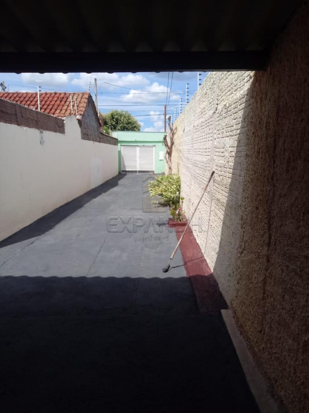 Alugar Casas / Padrão em Sertãozinho R$ 690,00 - Foto 7