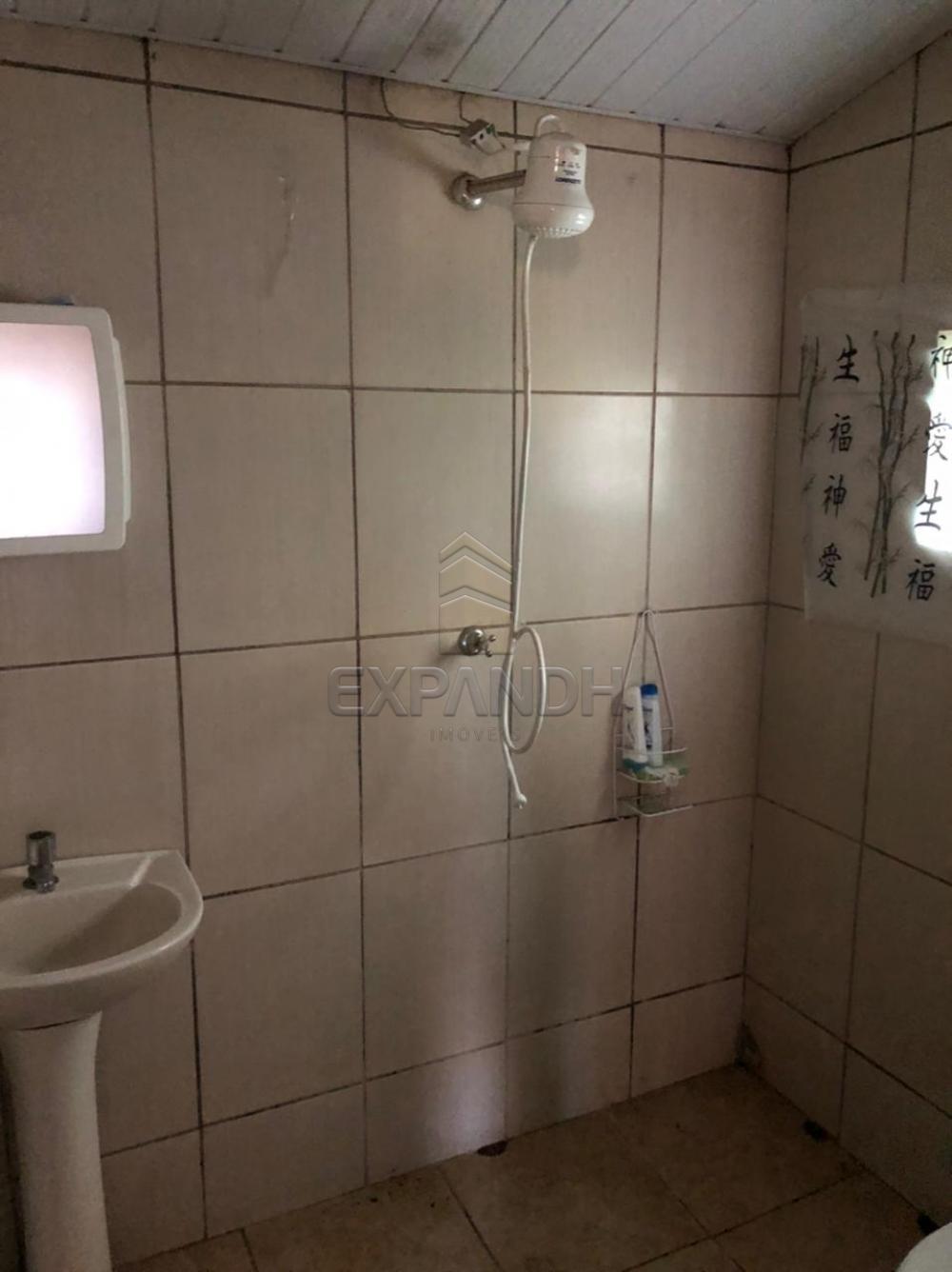 Alugar Casas / Padrão em Sertãozinho R$ 800,00 - Foto 13