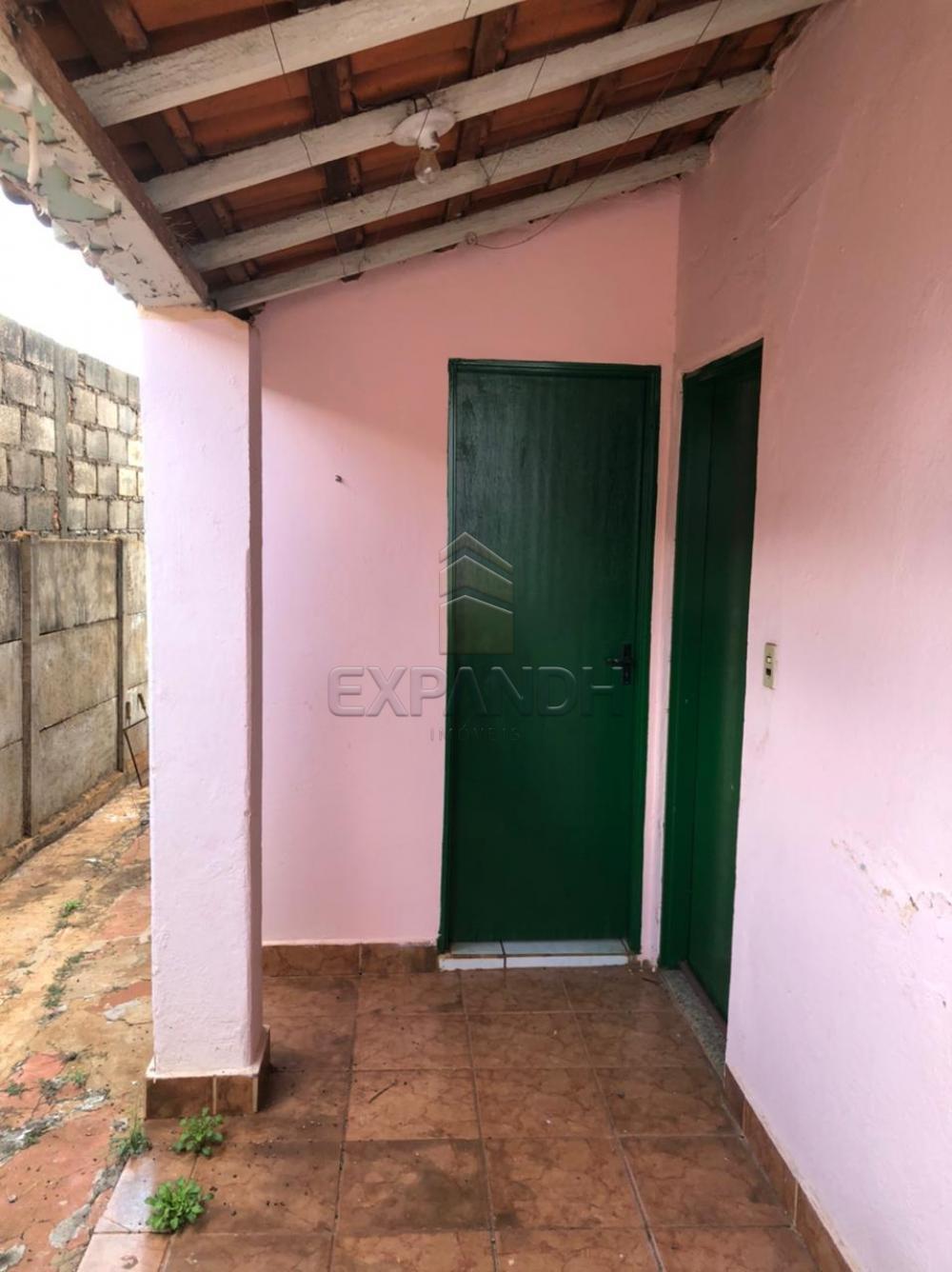 Alugar Casas / Padrão em Sertãozinho R$ 800,00 - Foto 16