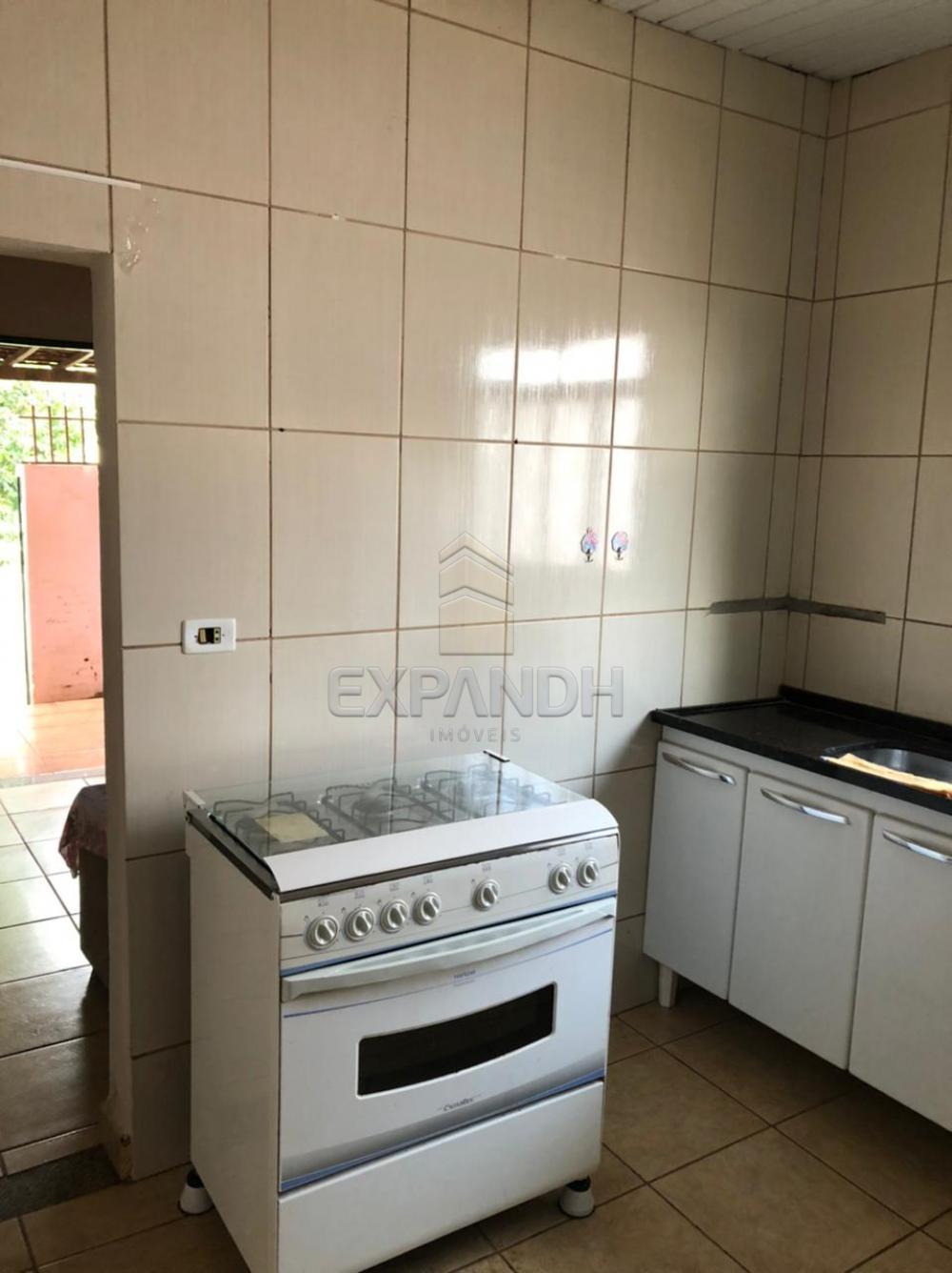 Alugar Casas / Padrão em Sertãozinho R$ 800,00 - Foto 15