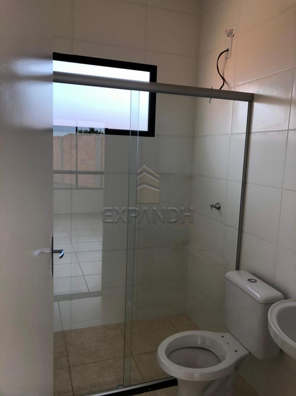 Alugar Casas / Padrão em Sertãozinho R$ 850,00 - Foto 9