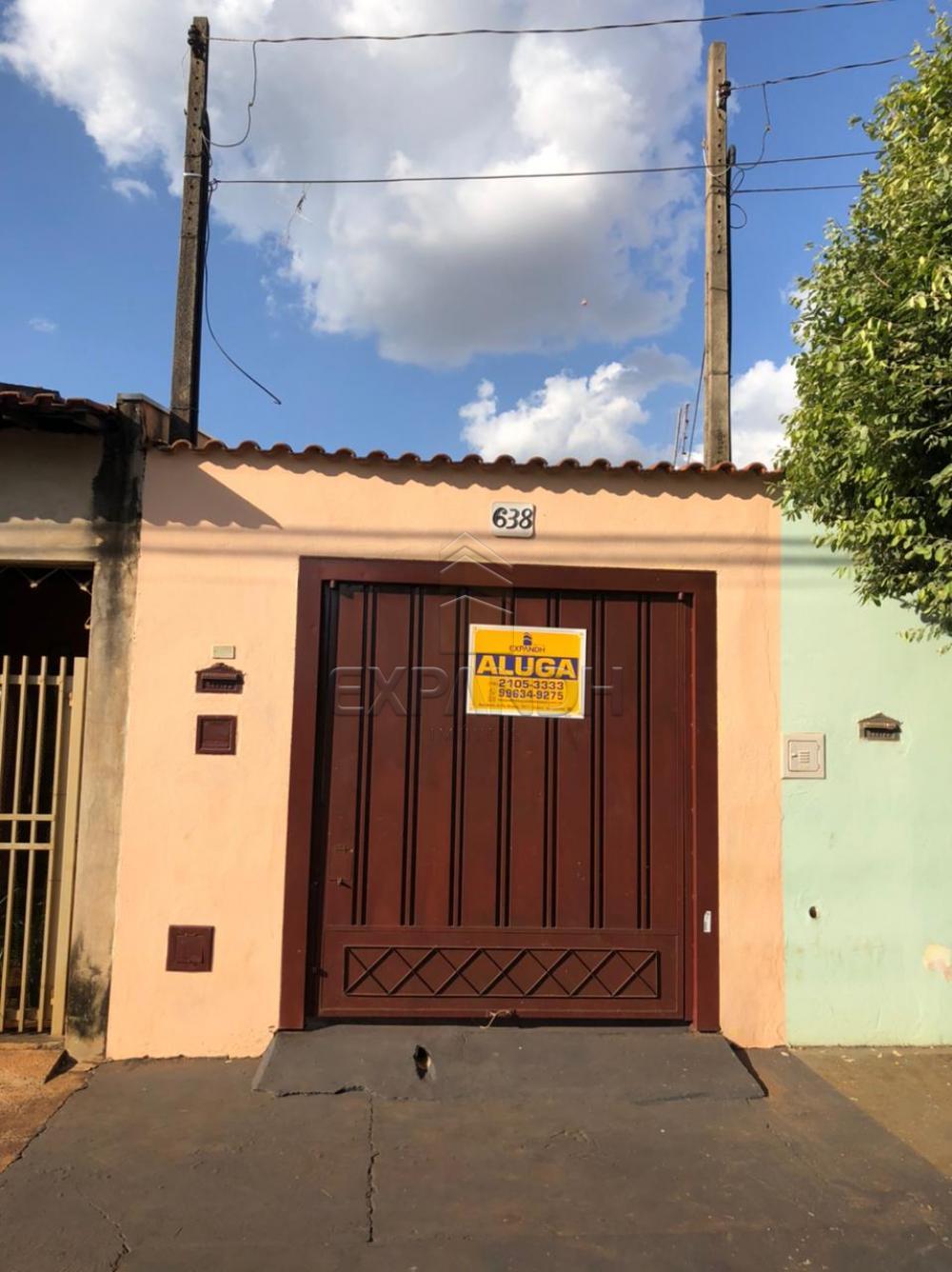 Alugar Casas / Padrão em Sertãozinho R$ 600,00 - Foto 1