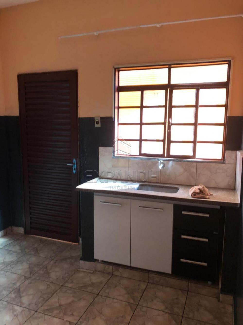 Alugar Casas / Padrão em Sertãozinho R$ 600,00 - Foto 11
