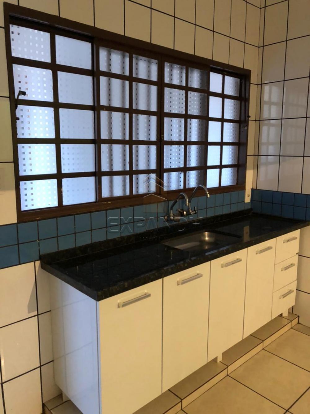Alugar Casas / Padrão em Sertãozinho R$ 1.400,00 - Foto 9