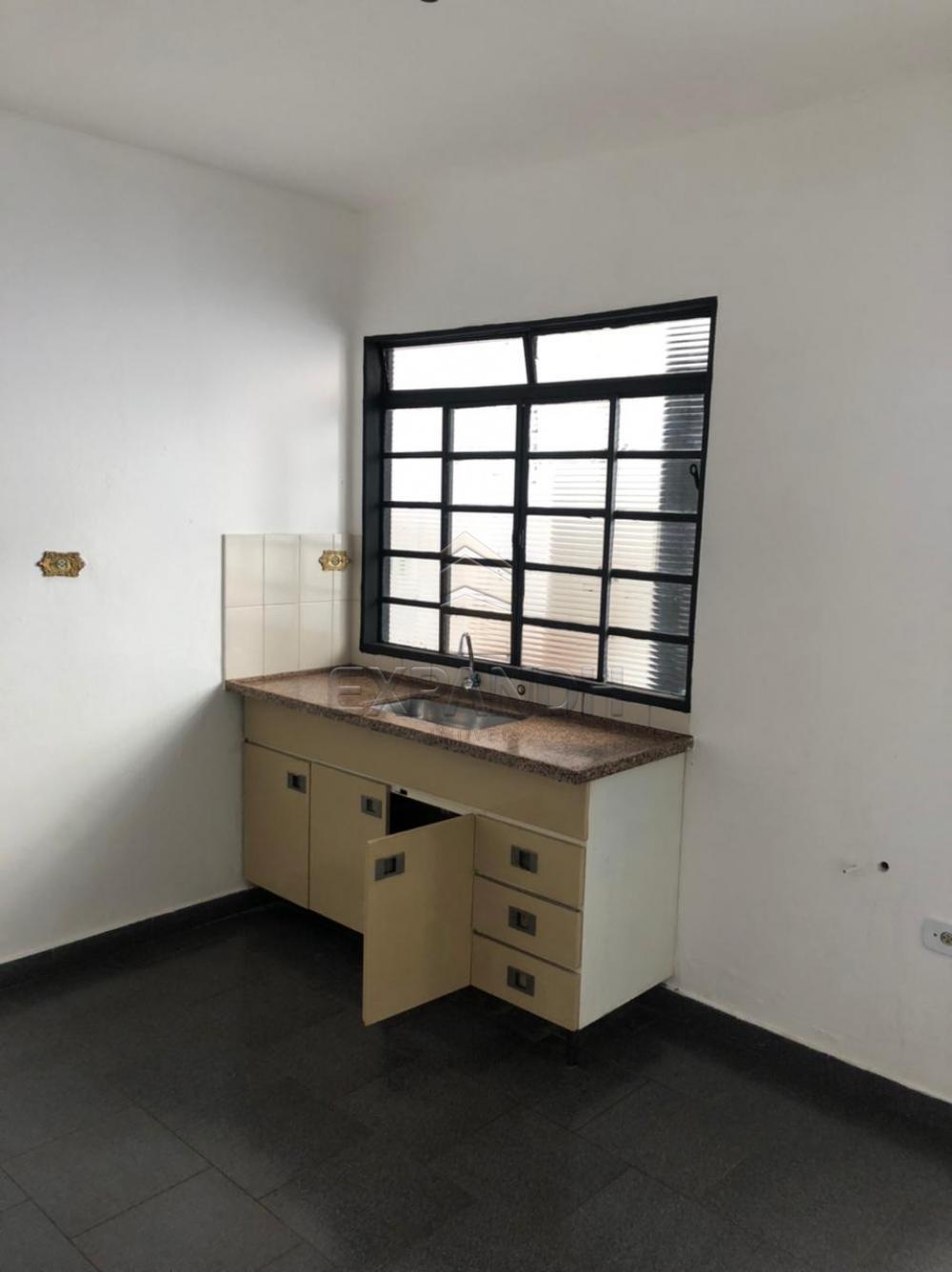 Alugar Casas / Padrão em Sertãozinho R$ 1.000,00 - Foto 9