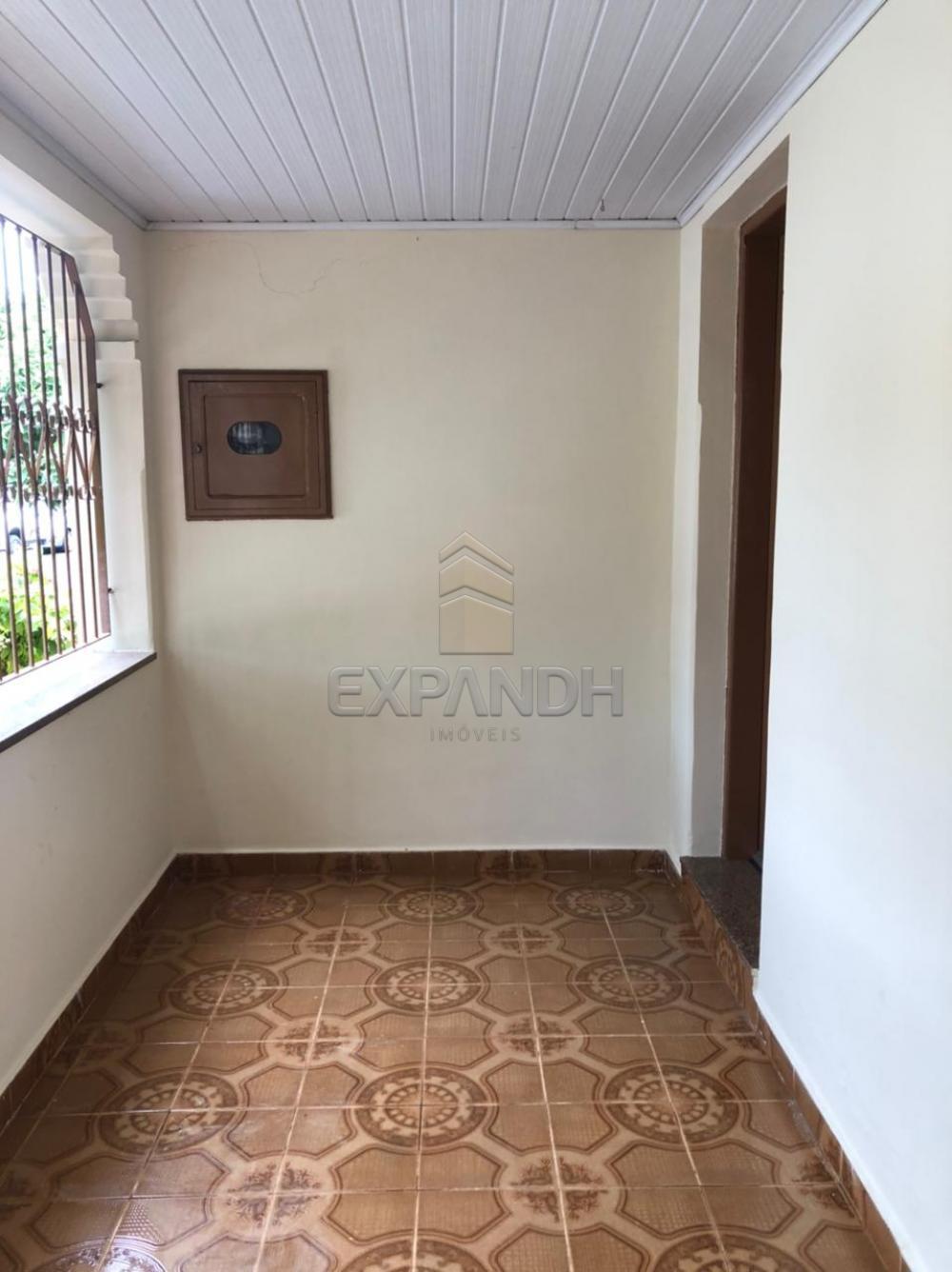 Alugar Casas / Padrão em Sertãozinho R$ 925,00 - Foto 2
