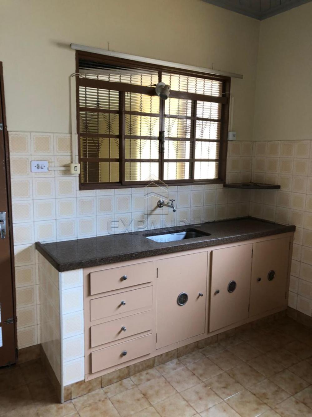 Alugar Casas / Padrão em Sertãozinho R$ 925,00 - Foto 10