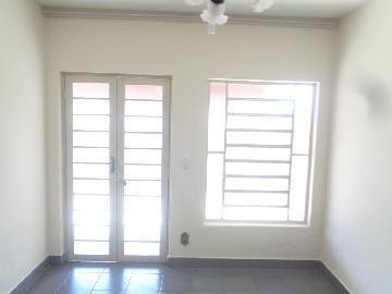 Alugar Casas / Padrão em Sertãozinho R$ 855,00 - Foto 7