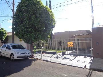 Alugar Casas / Padrão em Sertãozinho R$ 855,00 - Foto 2