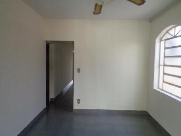 Alugar Casas / Padrão em Sertãozinho R$ 855,00 - Foto 9