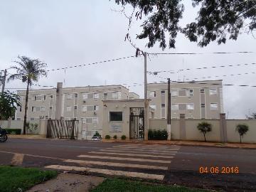 Alugar Apartamentos / Padrão em Sertãozinho. apenas R$ 750,00