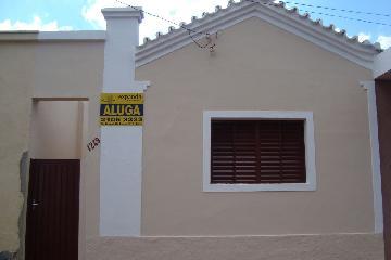 Alugar Casas / Padrão em Sertãozinho. apenas R$ 605,00