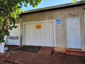 Alugar Casas / Padrão em Sertãozinho. apenas R$ 275.000,00
