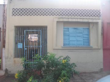 Alugar Casas / Padrão em Sertãozinho. apenas R$ 755,00