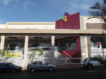 Comerciais / Salão em Sertãozinho Alugar por R$0,01