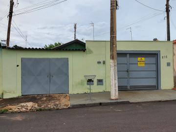 Alugar Casas / Padrão em Sertãozinho. apenas R$ 235.000,00