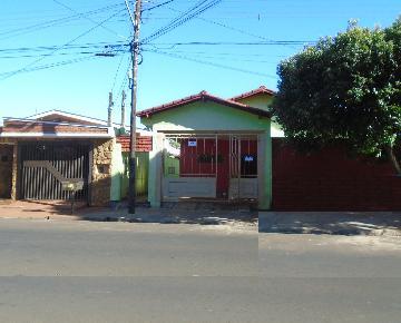 Alugar Casas / Padrão em Sertãozinho. apenas R$ 220.000,00