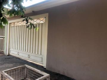 Alugar Casas / Padrão em Sertãozinho. apenas R$ 240.000,00
