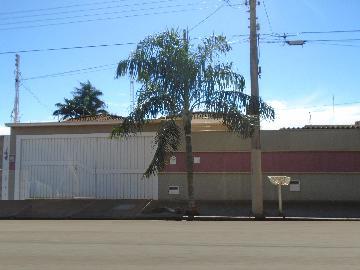 Alugar Casas / Padrão em Sertãozinho. apenas R$ 550.000,00