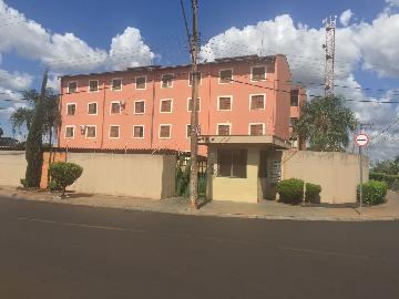 Alugar Apartamentos / Padrão em Sertãozinho. apenas R$ 140.000,00