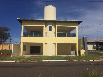 Alugar Casas / Padrão em Catalão. apenas R$ 898.000,00