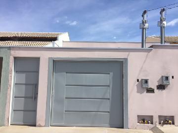 Alugar Casas / Padrão em Catalão. apenas R$ 160.000,00