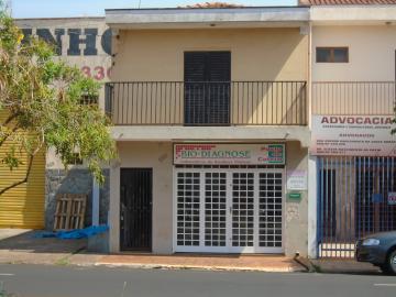 Alugar Casas / Padrão em Sertãozinho. apenas R$ 650,00